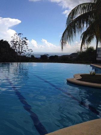 Thunderbird Resorts - Rizal: Swimming pool