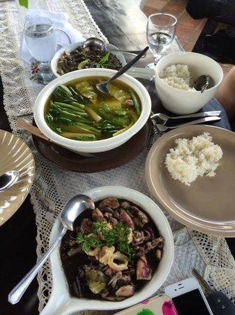 Pamana Restaurant : Our Filipino Feast