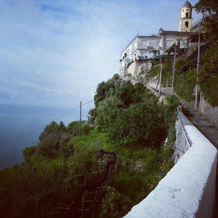 La Casetta Fra I Limoni: Vista dalla casetta