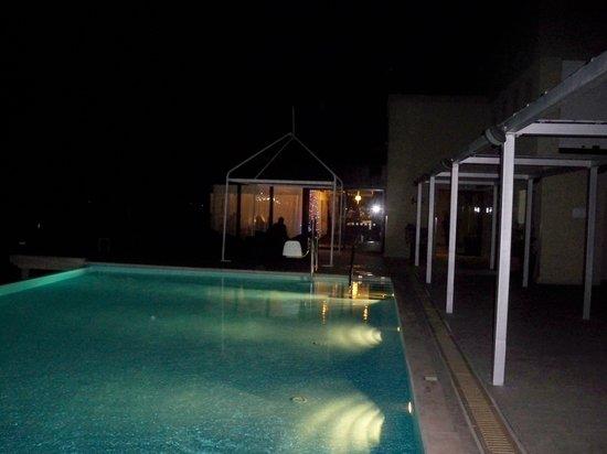 The Palace : La piscine de nuit