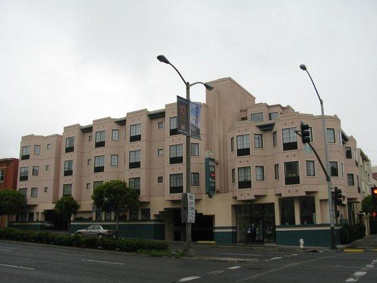 Buena Vista Motor Inn : Bien situé