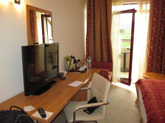 DoubleTree by Hilton Varna - Golden Sands: room