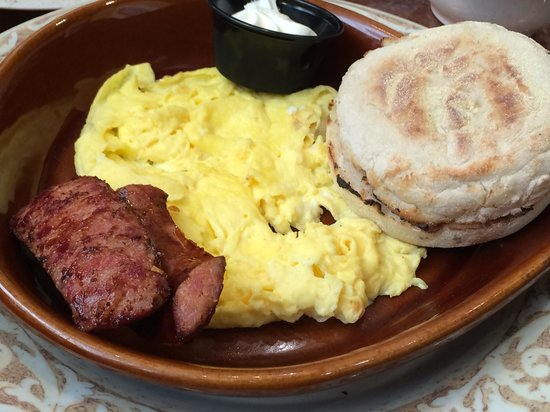 Another Broken Egg : The Traditional with scrambled eggs and andouille sausage👍