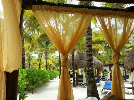 TRS Yucatan Hotel: Zona royal en playa