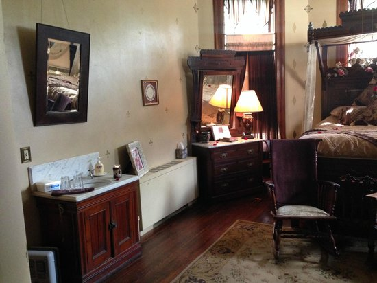 1884 Wildwood Bed and Breakfast Inn: King David room