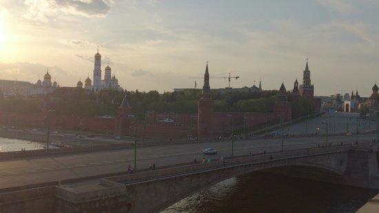 Hotel Baltschug Kempinski Moscow : Vue de la chambre sur le Kremlin
