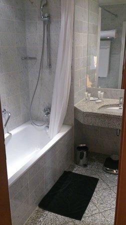 Hotel Baltschug Kempinski Moscow : Salle de bains