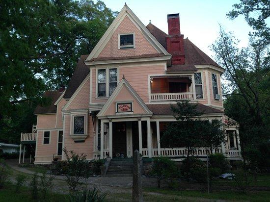 1884 Wildwood Bed and Breakfast Inn: Wildwood house - front