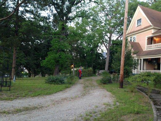 1884 Wildwood Bed and Breakfast Inn: Wildwood house & yard