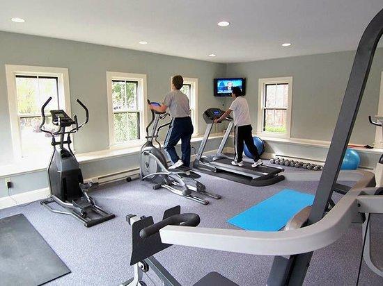 Hilltop Inn: Fitness Center