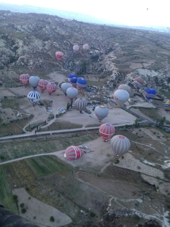 Goreme Valley Cave House: tour in mongolfiera