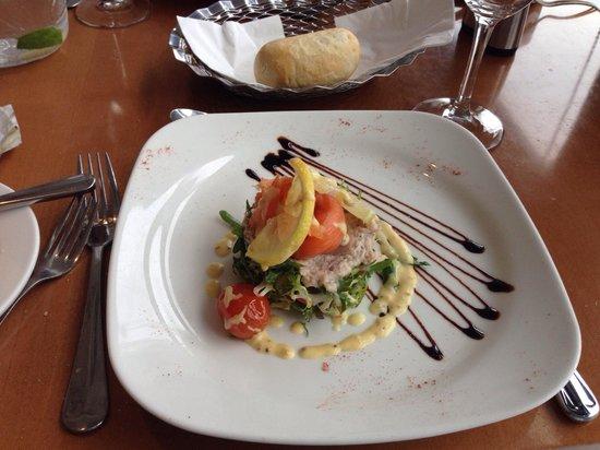 Clarion Hotel Liffey Valley: Salmon & crab tian starter