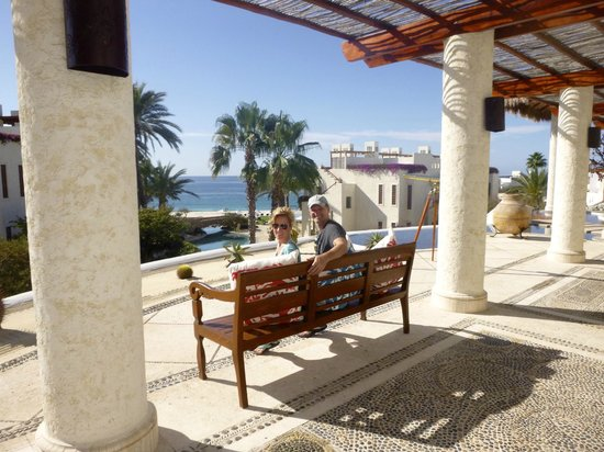Las Ventanas al Paraiso, A Rosewood Resort: View from the entrance of the hotel