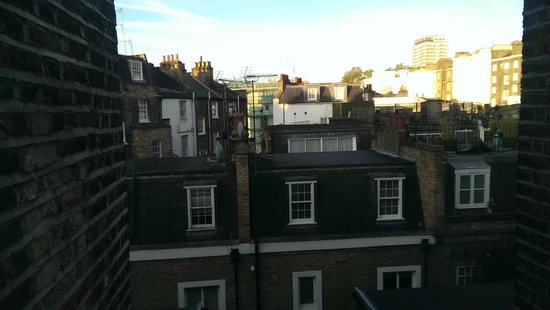 easyHotel London Victoria: Vista dalla mia camera 2