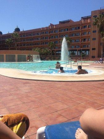 Hotel Colonial Mar: piscina