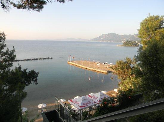 Corfu Holiday Palace: пляж