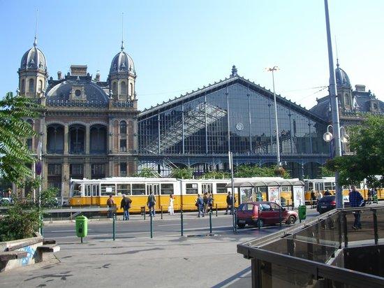 Budapest Western Railway Station: 西駅