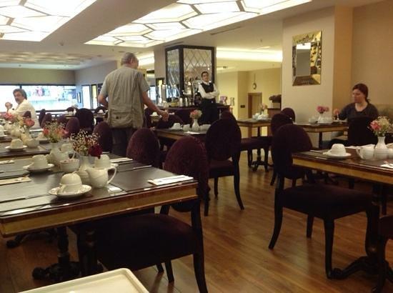 Neorion Hotel: Breakfast area..