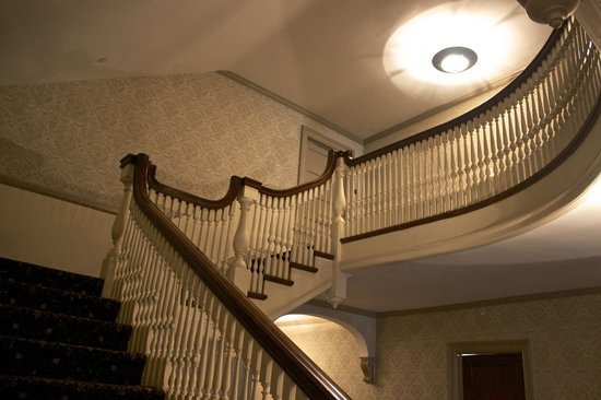 Stanley Hotel : Stately staircase