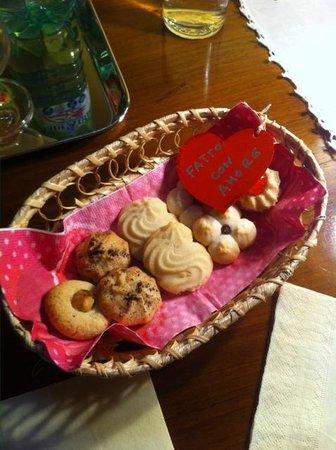 La Posta di Confine: biscotti al nostro arrivo