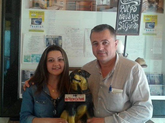 Hostal Bahia: MANOLO Y YO EN LA CAFETERIA