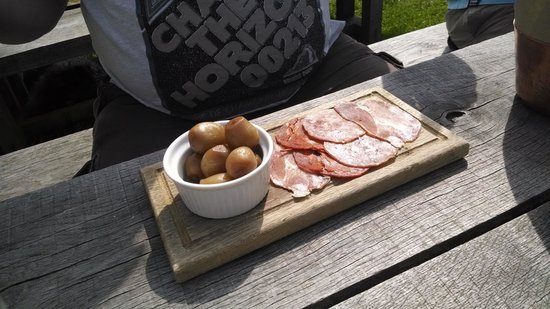 The Gunton Arms: disgusting meat platter £8