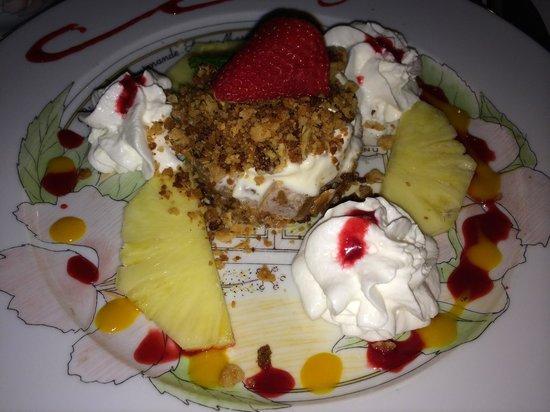 L'Auberge Gourmande : Fruit crumble dessert