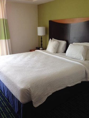 Fairfield Inn & Suites Wilmington/Wrightsville Beach: King Bed
