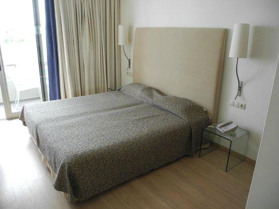 Kriti Beach Hotel : Sängar