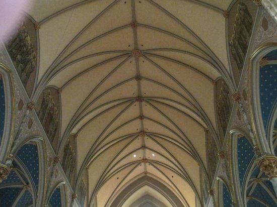 Cathédrale Saint-Jean-Baptiste : Ceiling