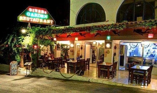 Divers Restaraunt: Divers Garden Restaurant