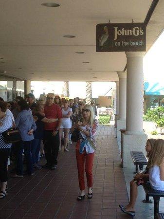 John G's Restaurant : Avoid a line up! Get to John G's early