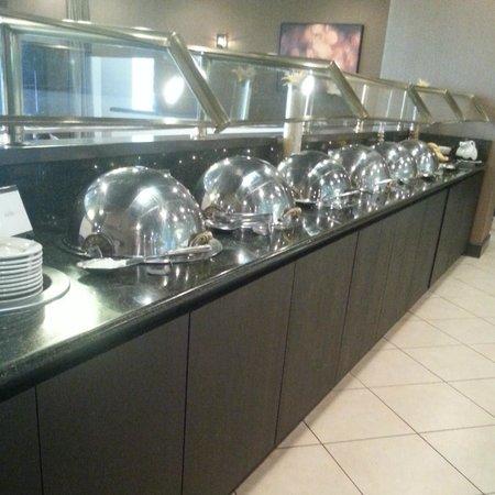 Wyndham Houston West Energy Corridor : Breakfast buffet - hot food choices