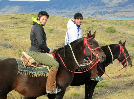 The Singular Patagonia: Horseback riding excursion