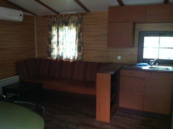 Disney's Davy Crockett Ranch: Cabin living space