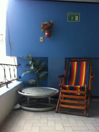 Hostal Transilvania: Seats next to our room,2 of them on each floor,one of them in front of the room's window,by the