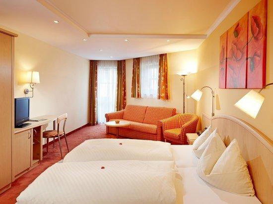 Landhotel Kaserer: Zimmer im Landhotel (Haupthaus) - Mehrbettzimmer