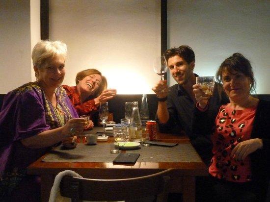El Nou de Granados: Hugo gamely posing for a photo with three quite tipsy diners!