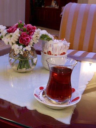 Sirkeci Mansion: Turkish tea