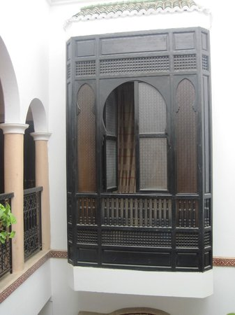 Riad Dar Zampa : Chambre avec fenêtre en saillie