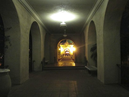 Old Globe Theatre : The walk back to the car through Balboa Park is an enjoyable part of the evening.