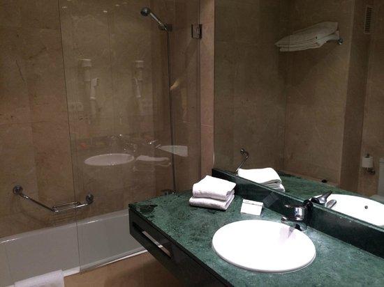 Hotel Fernando III: Bathroom