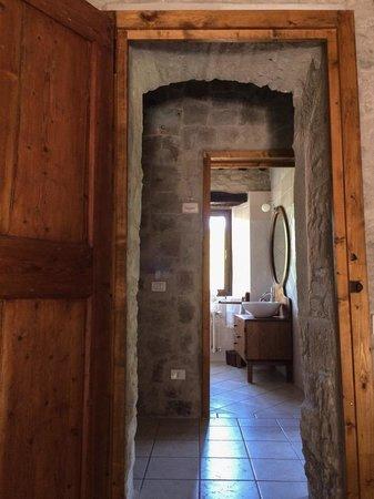 Ca Maranghi : Master bedroom's bathroom