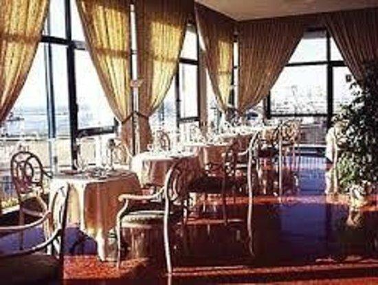 NH Ancona : sala colazione