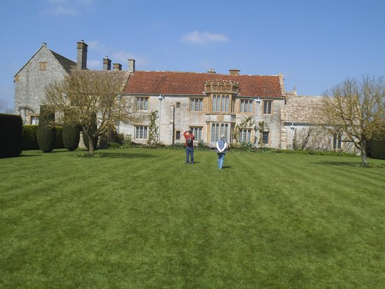 Lytes Cary Manor: A view of the house from the side