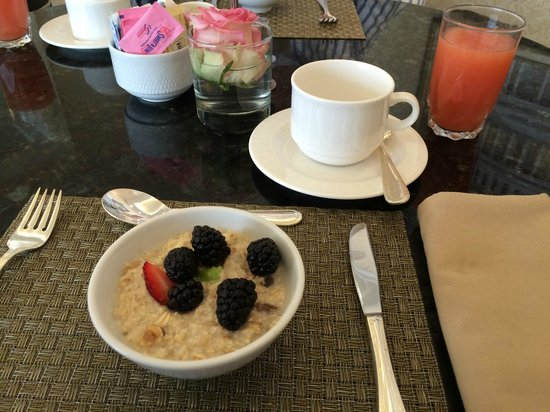 Fairmont Washington, D.C. Georgetown: Breakfast