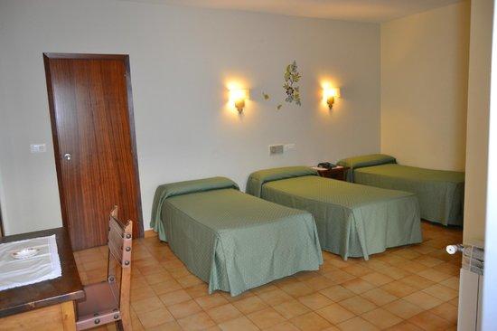 Hotel Nuevo Cachalote: Habitación triple (2 adultos + 1 niño)