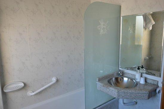 Hotel Nuevo Cachalote: Baño exterior