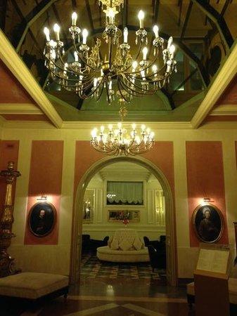 Eurostars Centrale Palace: hall Centrale Palace Hotel