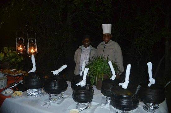 Kapama River Lodge: Noite pra lá de especial com esta equipe encantadora !!!